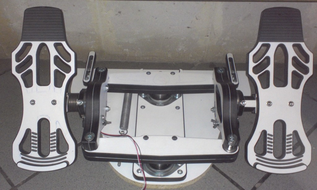 Rudder pedals ( Edited : in production : MFG Crosswind