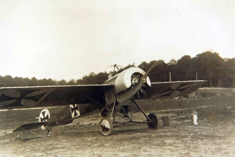 Attached picture 3_Fokker_EIII_(3)  Fokker.jpg