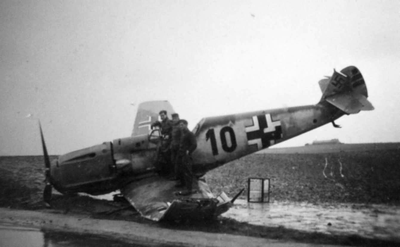 Attached picture Me109Crash3.jpg